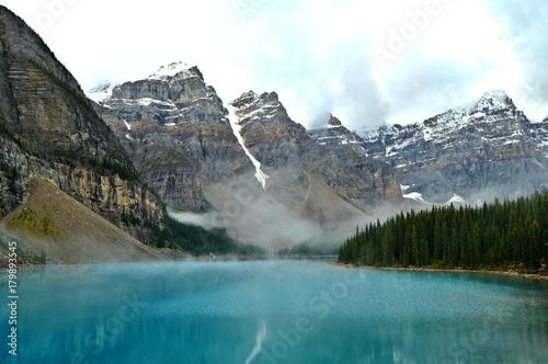 Fotobehang Grijs Moraine Lake- Banff