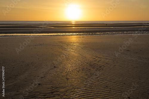 Foto op Plexiglas Ochtendgloren Sonnenaufgang über Bettystown, Irland