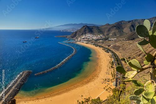 Foto op Plexiglas Canarische Eilanden Playa de Las Teresitas near Santa Cruz de Tenerife