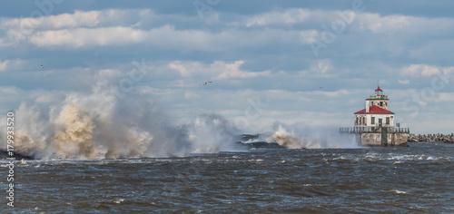 Fotobehang Vuurtoren Powerful winds at lighthouse