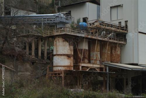 Foto op Canvas Oude verlaten gebouwen fabbriche
