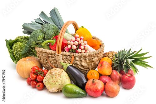 Obst und Gemüse - 179971782