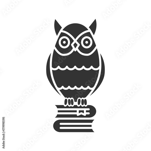 Aluminium Uilen cartoon Owl on books stack glyph icon
