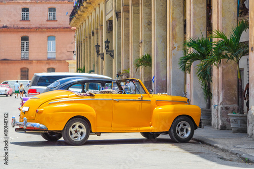 Foto op Plexiglas Havana Классические автомобили. Гавана, Куба - Старый Гавана центр города. Архитектурв.