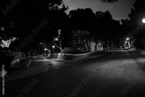 Fotobehang Nacht snelweg Calles de noche. Porto Colom