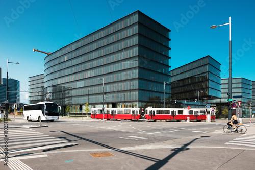Tuinposter Wenen Modern architecture and tram, Wien