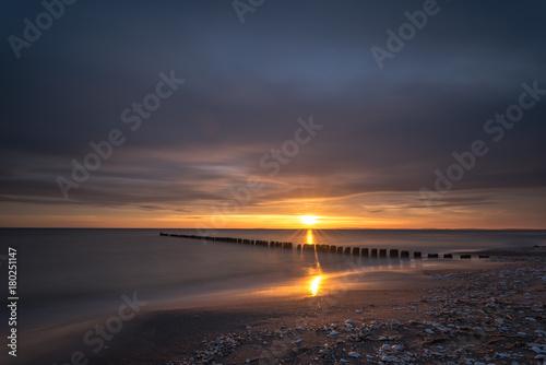 Fotobehang Zee zonsondergang Colorful sunrise over the sea. Nature composition.