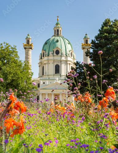 Foto op Plexiglas Wenen Baroque Karlskirche in Vienna