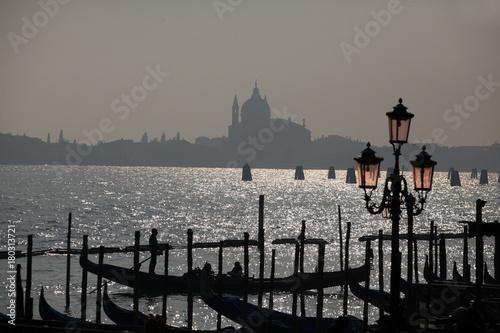 Foto op Plexiglas Venetie Tramonto a Venezia