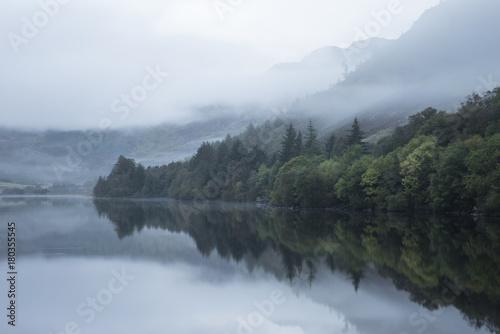 Aluminium Landschappen Landscape of Llyn Crafnant during foggy Autumn morning in Snowdonia National Park