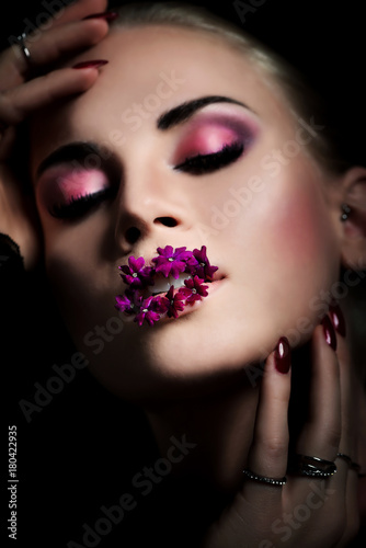 Rosa Make-up - Gesicht - Nahaufnahme - Beauty Plakat