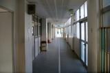 中学校 廊下 - 180433365