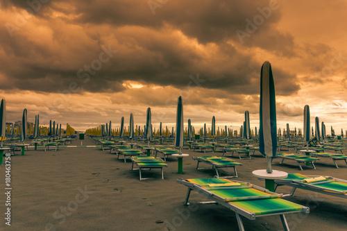Foto op Canvas Zee zonsondergang beach and sea at sunset
