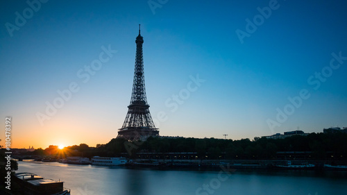 Keuken foto achterwand Eiffeltoren Eiffel Tower at sunrise