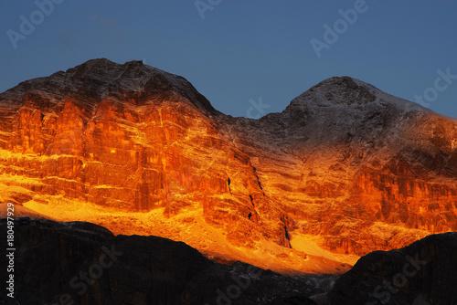 Poster Oranje eclat Tofane Group in the Dolomites, Italy, Europe