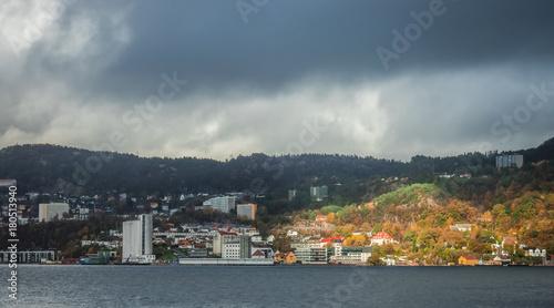 Tuinposter Algerije View of the buildings in the Bergen harbor