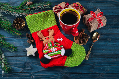 Foto op Canvas Chocolade Christmas background with fir tree, hot chocolate and marshmallow. Top view with copy space