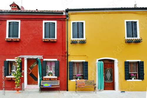 Papiers peints Venise Venice, Burano, Italy - characteristic red and yellow building