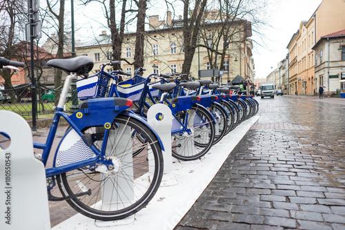 Aluminium Krakau Blue bicycles in Krakow city center, Poland