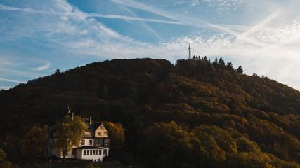 Haus der Burg Landshut geschmückt mit einem Turm