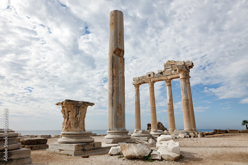 Foto op Canvas Athene Columns of an ancient Greek temple, ruins