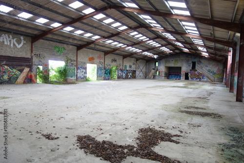 Foto op Canvas Oude verlaten gebouwen graff03