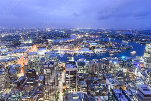 Foto op Plexiglas Sydney SYDNEY, AUSTRALIA. – On October 10, 2017 –The city view of sydney at night from sydney tower