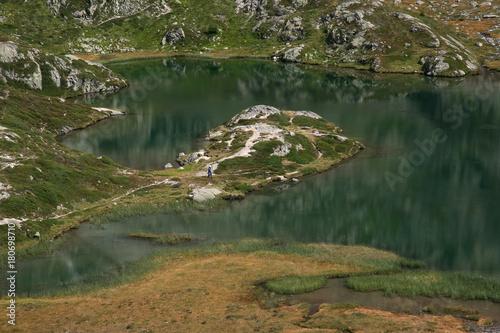 In de dag Bergen Bergsee in Begün/Graubünden