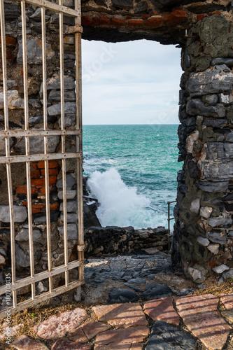 Staande foto Bruin La scogliera a Portovenere, La Spezia, Golfo dei Poeti, Liguria, Italia