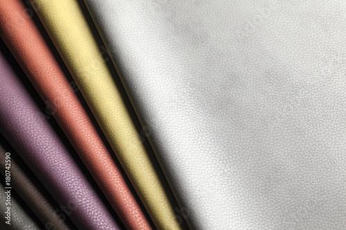 Pelle colorata still life