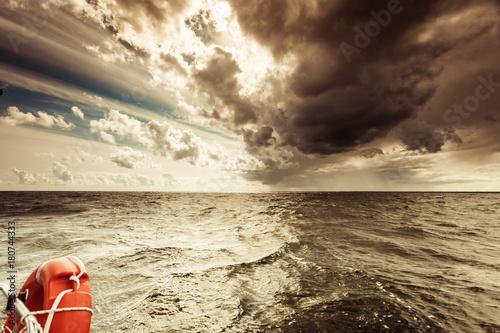 Fotobehang Zee zonsondergang Baltic sea sunset horizon and cloudy sky