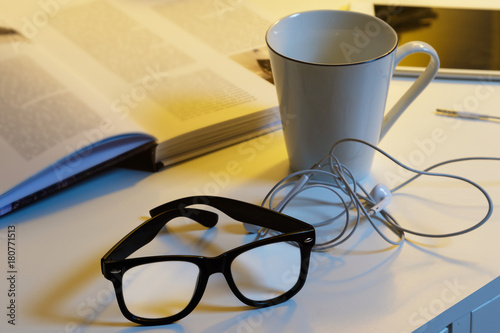 Different objects on the desk