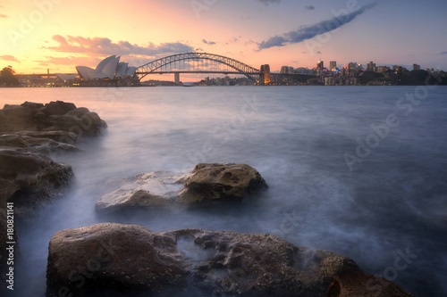Poster Oceanië Sydney. cityscape view of Sydney with Harbour Bridge and beautiful sunset sky
