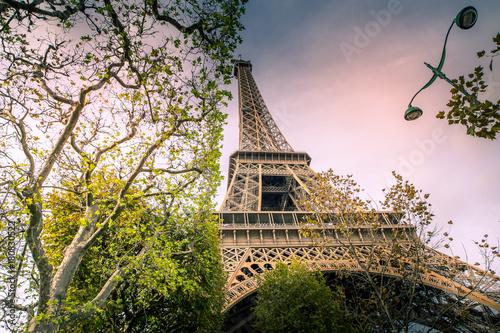 Papiers peints Tour Eiffel Tour Eiffel in Paris - France - Europe