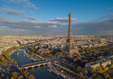 Fototapeta Paryż - Cityscape of Paris. Aerial view of Eiffel tower © a_medvedkov