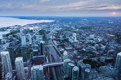 Papiers peints Canada Aerial panorama of Toronto at sunset