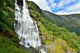 Wasserfall - 180973111