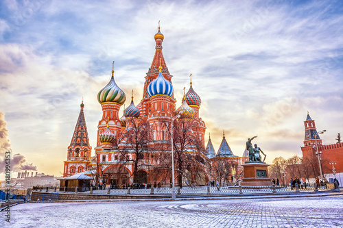 Fotobehang Moskou Saint Basil's Cathedral in Red Square in winter at sunset, Moscow, Russia.