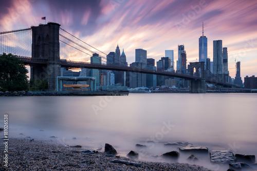 New York - Manhattan Skyline zum Sonnenuntergang Poster