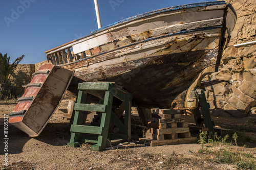 Papiers peints Navire Old boat on the island of Tabarca