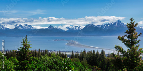Poster Landschappen Scenic view of Homer spit and Alaska mountains and glaciers