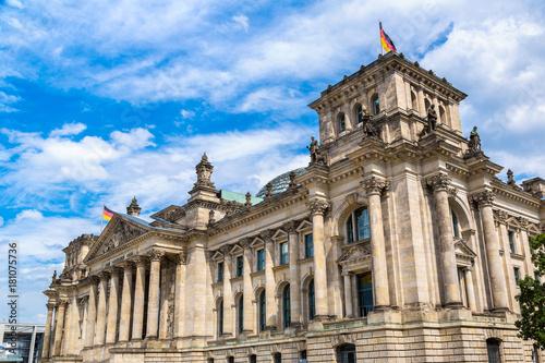 In de dag Berlijn Reichstag building in Berlin