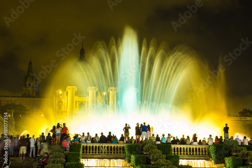 Staande foto Barcelona Magic Fountain light show in Barcelona