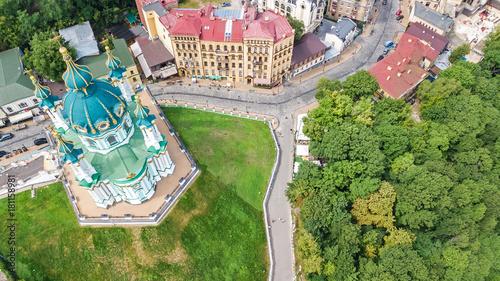 Foto op Plexiglas Kiev Aerial top view of Saint Andrew's church and Andreevska street from above, cityscape of Podol district, city of Kiev (Kyiv), Ukraine