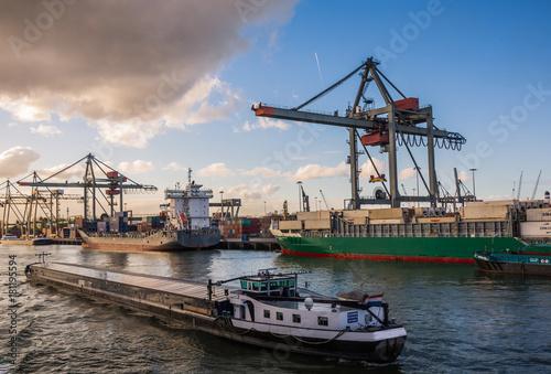 Fotobehang Rotterdam The Port of Rotterdam