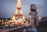 Tourist on vacation - 181212504