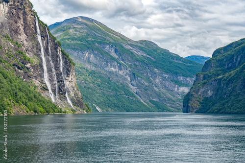 Wasserfälle Sieben Schwestern Norwegen - 181272160