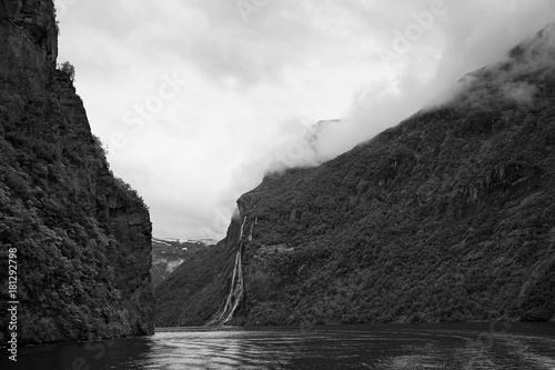 Geirangerfjord, More og Romsdal, Norwegen - 181292798