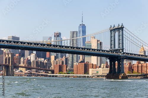 mata magnetyczna Mahnattan Bridge and Manhattan skyline, NYC, USA