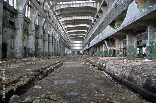 Staande foto Oude verlaten gebouwen Big hall inside